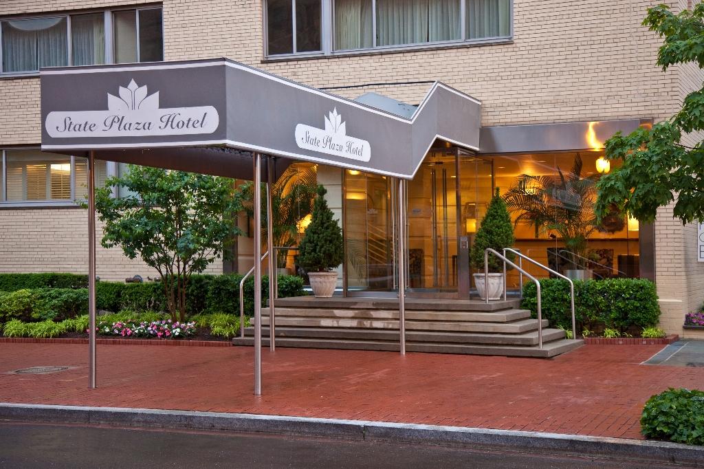 washington d c hotels condos vacation homes. Black Bedroom Furniture Sets. Home Design Ideas
